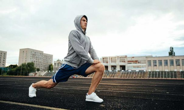 doing lunges to beat obesity and get fit