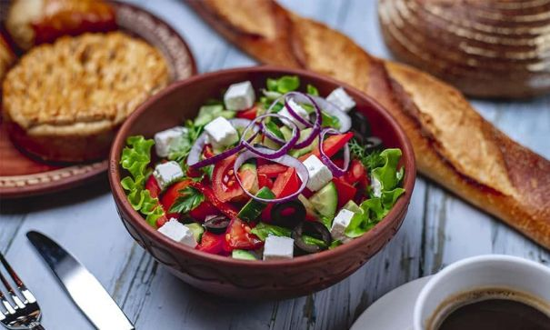 3 Healthy Salads You Can Eat Everyday Without Getting Bored! - 2