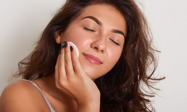 Expert Tips To Clean And Tone Up Your Skin at Home-2