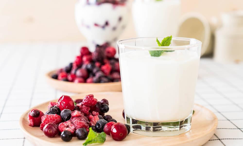 Here's how to use fruits and yogurts to get more energy!