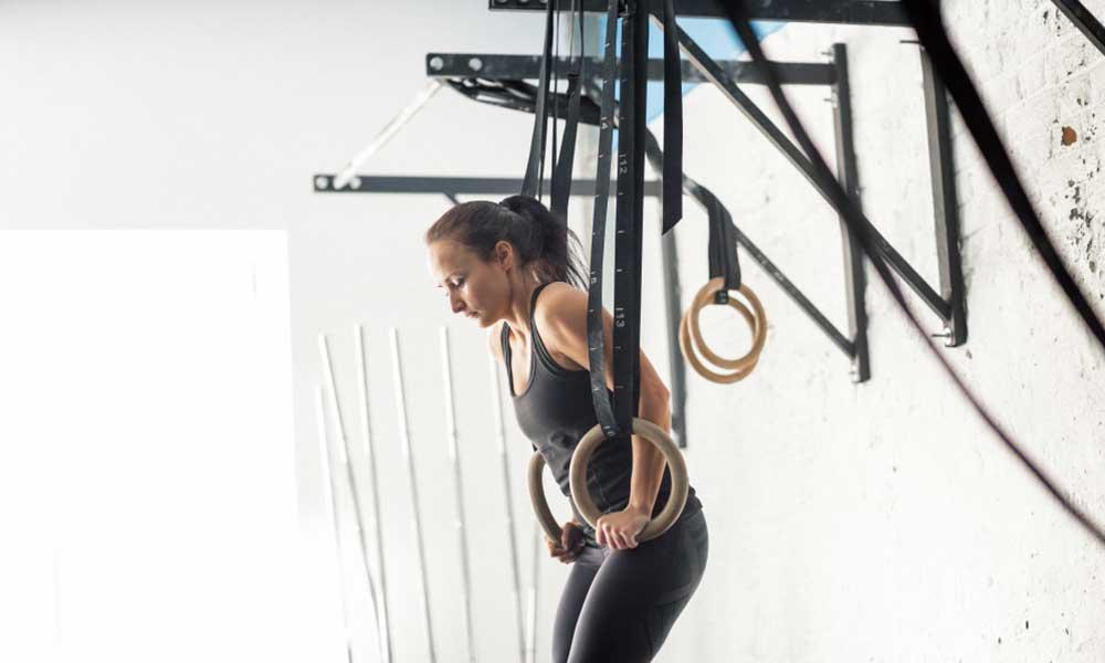 how to do trx hanging dips for triceps and chest