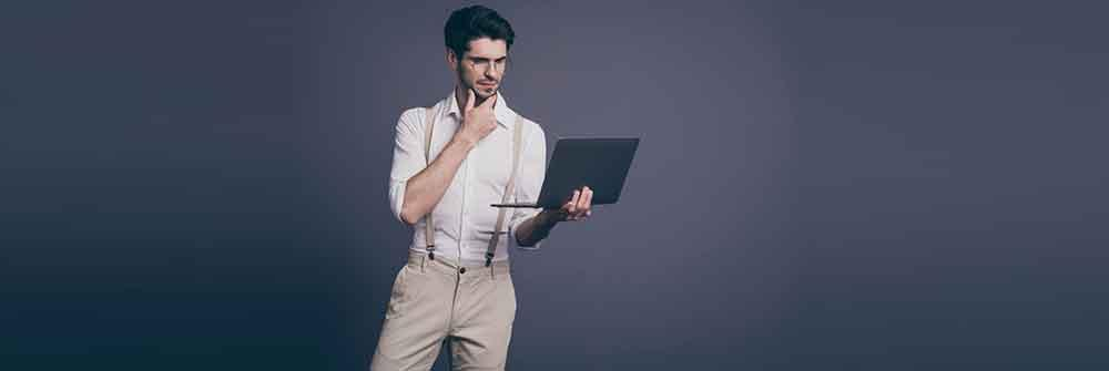 How to select a fashion expert online?