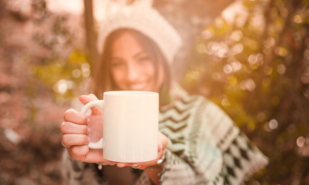 Is coffee better in the morning or green tea?