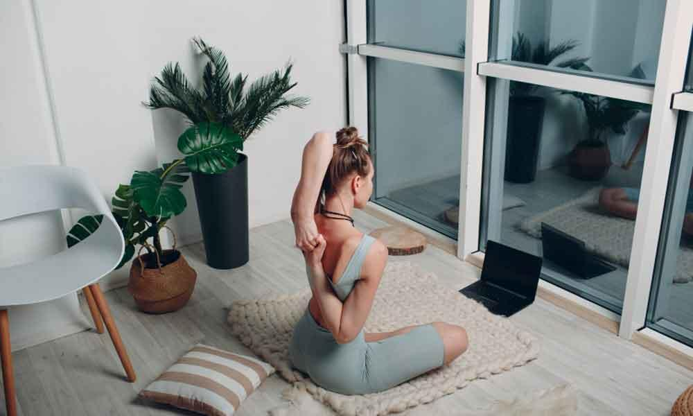 Let an Online Expert Show You How to Do Yoga the RIGHT way! - 3