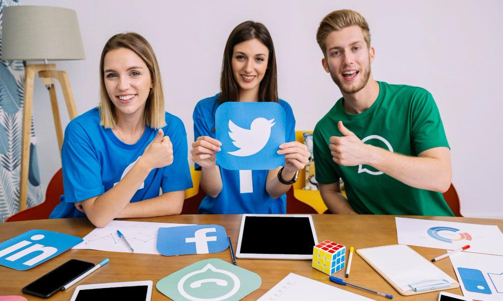Using Facebook and Twitter for marketing and business