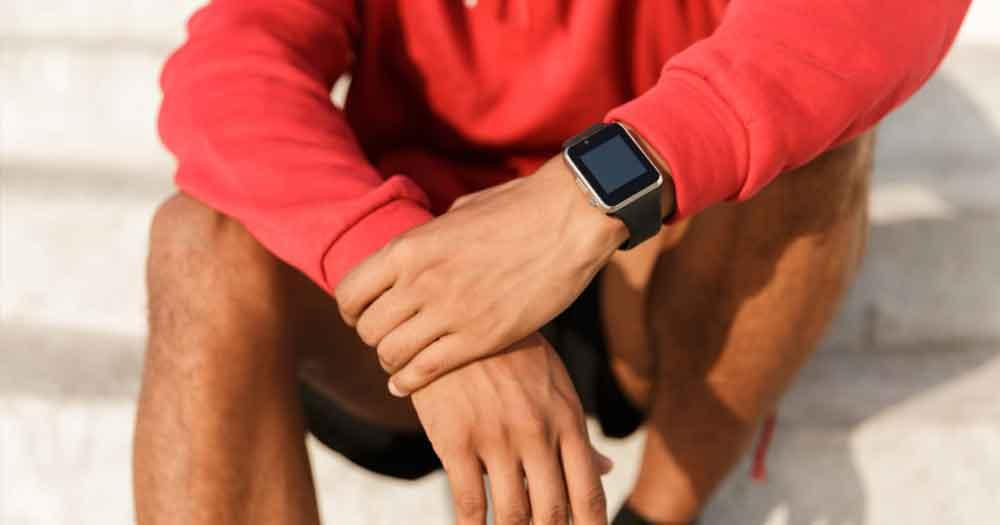 Wear a smartwatch to measure your speed and progress
