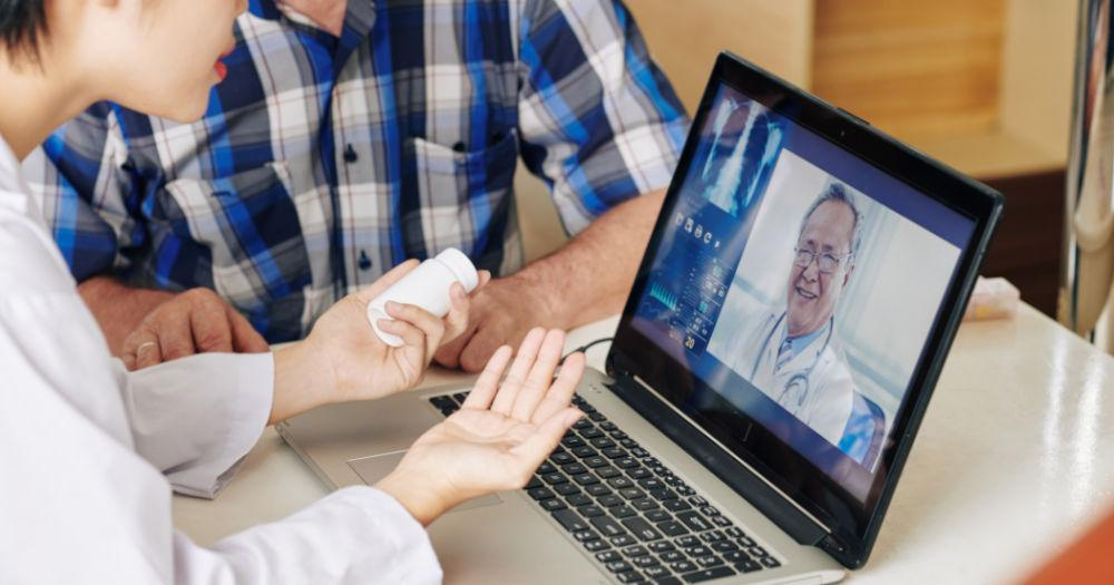 Why you should go for an online consultation with a healthcare expert?
